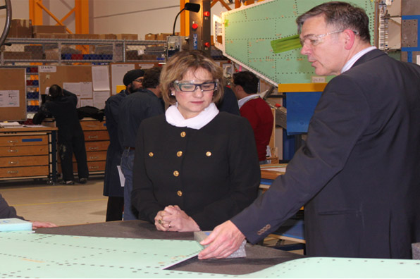 Photo of Minister Yelich's visit to AvCorp Industries