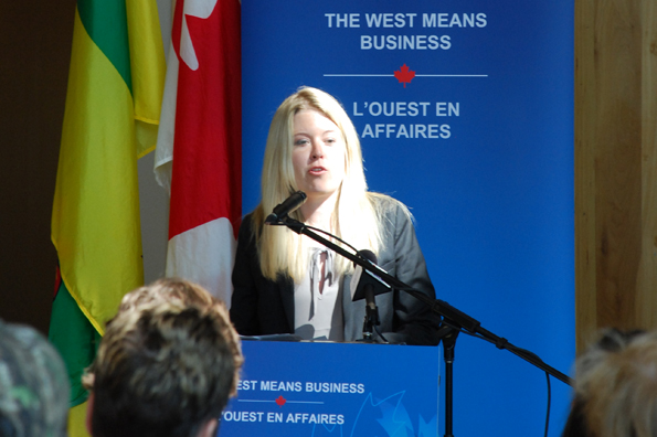 Minister Michelle Rempel announces a joint federal/provincial investment of $1.1 million to the Prince Albert Model Forest Association (PAMF) in support of the Saskatchewan forestry sector.