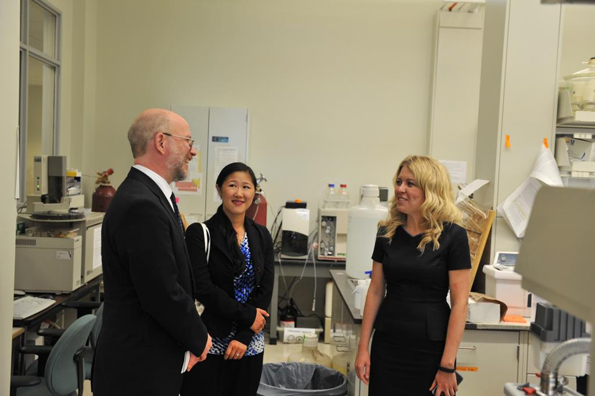 The Honourable Michelle Rempel, Minister of State for Western Economic Diversification, announces an investment of $2,983,800 towards state-of-the-art metabolomics assessment equipment.