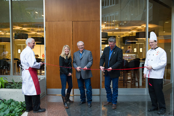 The Honourable Michelle Rempel, Minister of State for Western Economic Diversification and the Honourable Gerry Ritz, Minister of Agriculture and Agri-Food, participated in the grand opening of the Canadian Beef Centre of Excellence.